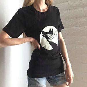 Other - 🎨🐾 Handmade Listing! Wolf Shadow Puppet T Shirt